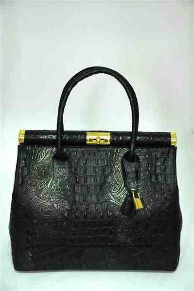 ...потрясающая сумка из натуральной кожи черного цвета под крокодила с...