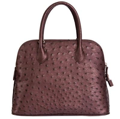 Классическая сумка из страусиной кожи.