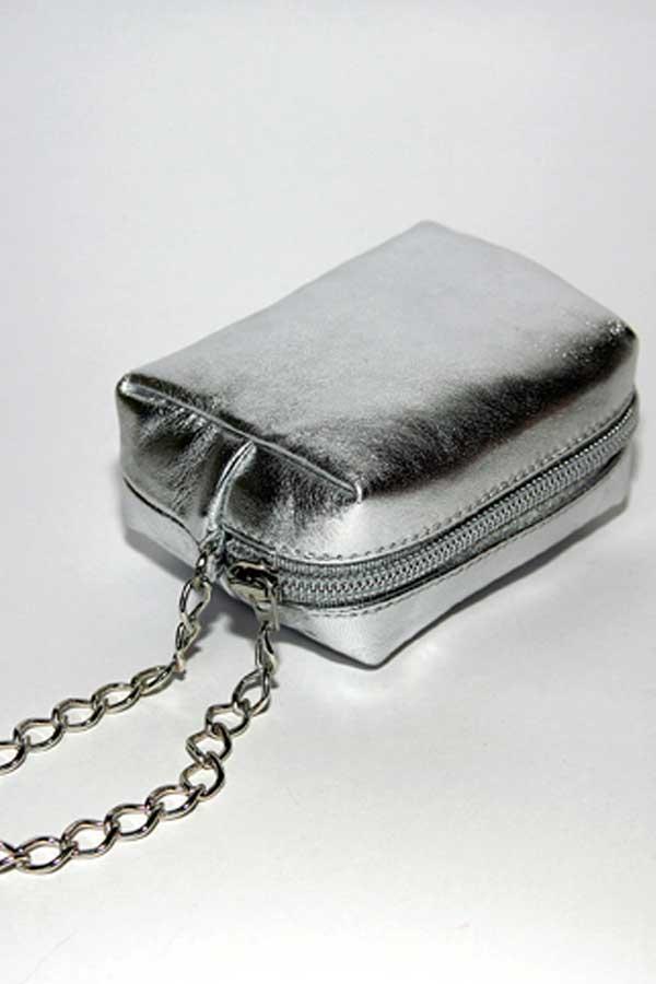 Сумочка-мини на цепочке(серебро).  Стильная сумка из новейшей коллекции...