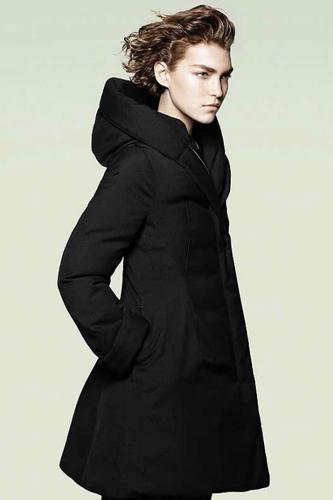 Теплое пальто с шерстяной подкладкой