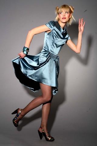 В этом выпускном платье, воплотившем оригинальные дизайнерские изыски...
