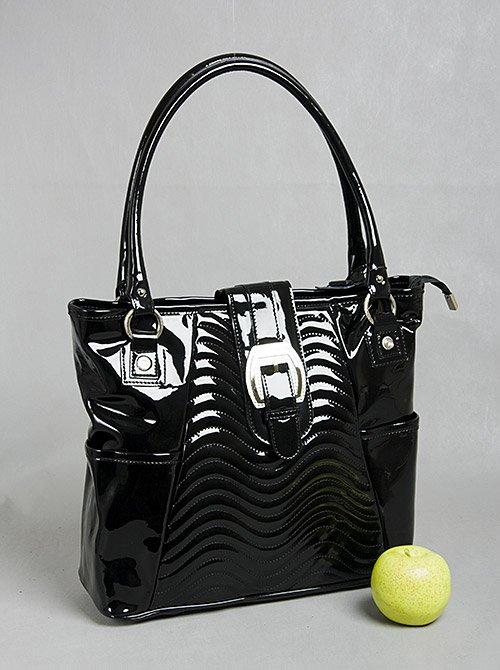 Женская сумка лаковая с красивой пряжкой.  GILDA TONELLI.