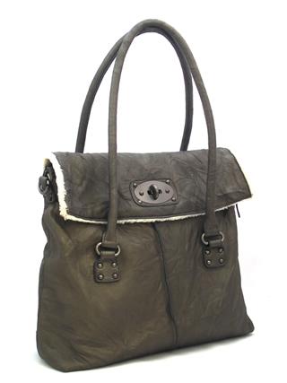 Производитель:D&D. Женская сумка с мехом.