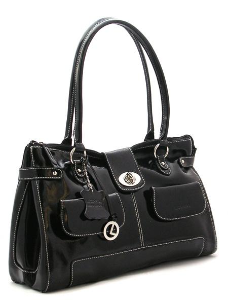 Чёрная лаковая сумка из натуральнойй кожи производства Италия.