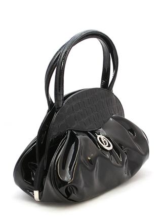 Черная лаковая сумка BAGIA.