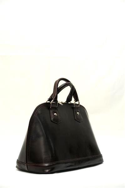 Маленькая, аккуратная кожаная сумка с миниатюрными ручками оптимальный...