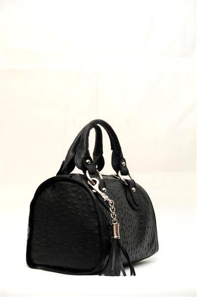 Прямоугольная сумка с ремешком.
