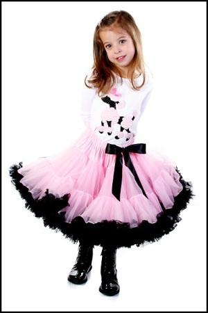 цена 4250.00 руб Пышная юбка розовая с чёрными оборками,материал - нейлон.