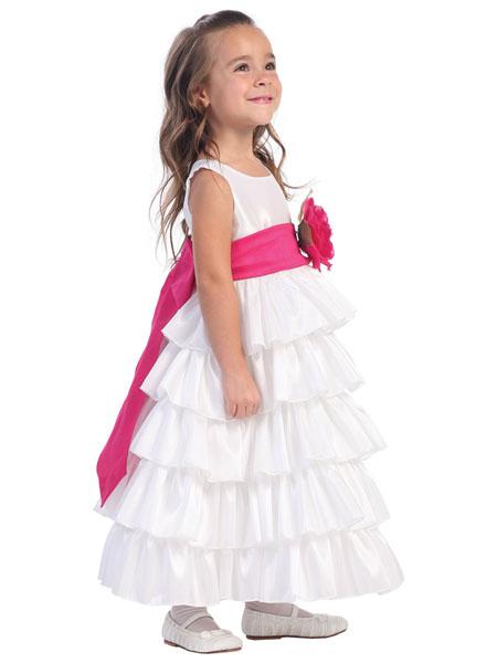 В наличии.  Белое пышное платье - наряд для маленькой принцессы.