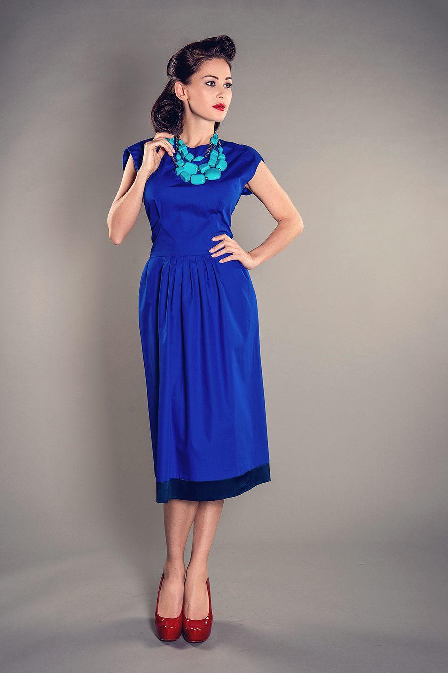 Фото темно синее платье аксессуары к нему