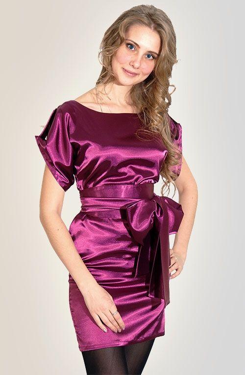 Женское платье из атласа
