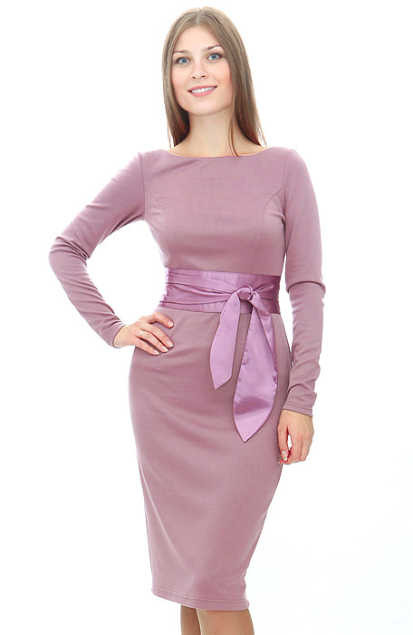 цвет- сиреневый Элегантное платье-футляр из джерси.