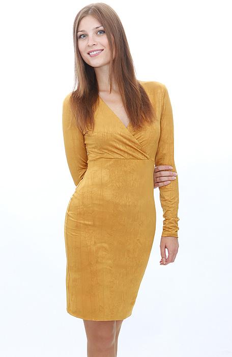 Трикотажное платье с запахом - очередная модная новинка этого сезона.