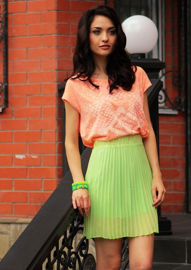 Меня зовут Ольга, и я хочу предложить тренд сезона шерстяная юбка-гофре. Несмотря на обилие уже поднадоевших всем