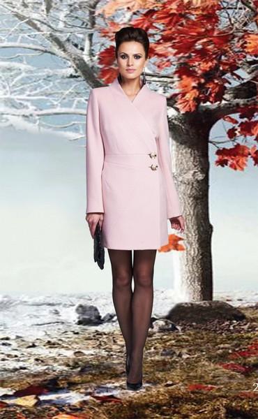 Нежно-розовое кашемировое пальто с запахом KLARIS