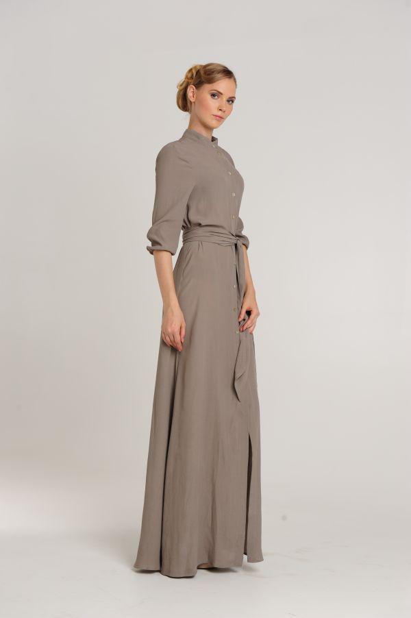 Женские деловые костюмы с воротником-стойкой