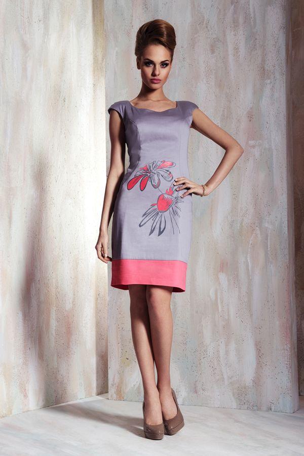 Декор серого платья