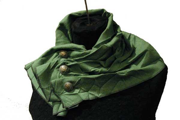 Шарф на пуговицах из фактурной ткани.  Большой шарф не только лишь...