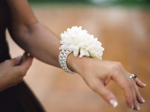 Украшение на руку своими руками для девочек
