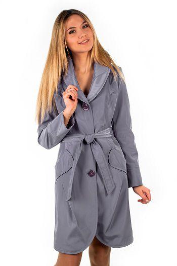 Модний одяг для жінок від виробника