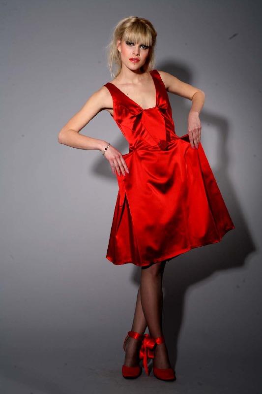 Торжественное выпускное платье настоящей королевы бала.