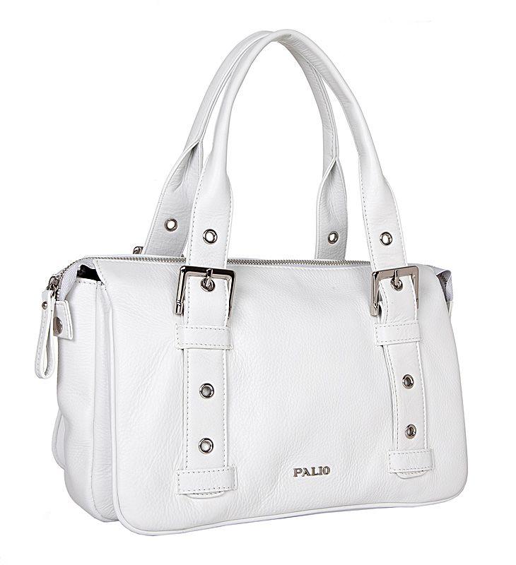 Женская сумка Palio выполнена из натуральной кожи белого цвета.