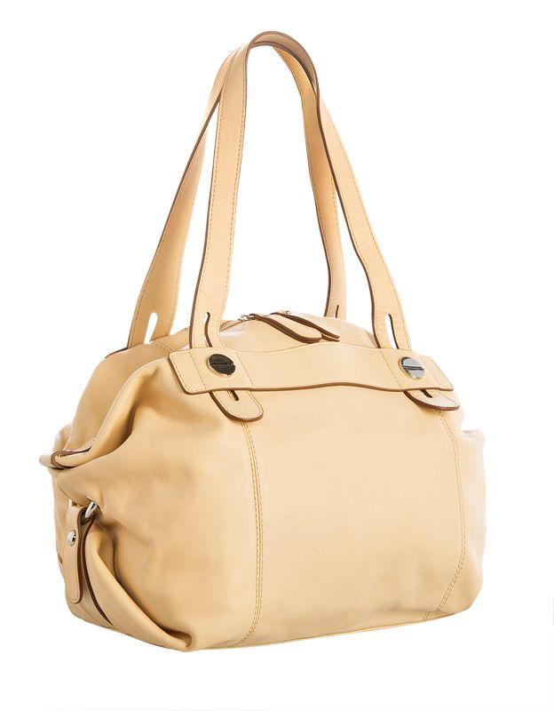Женская сумка Palio выполнена из натуральной кожи песочного цвета.