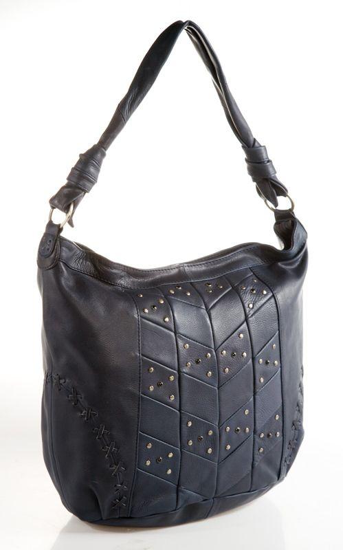 Женская сумка AND выполнена из натуральной кожи темно-синего цвета.