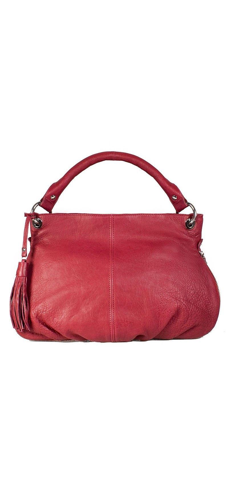 Женская сумка Palio выполнена из натуральной кожи розового цвета.