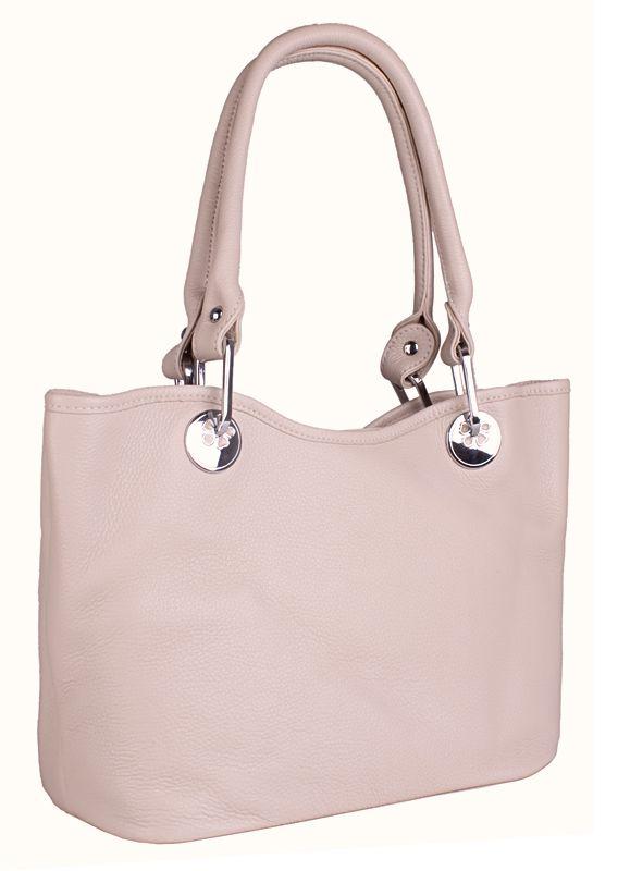 Женская сумка AND выполнена из натуральной матовой кожи бежевого цвета.