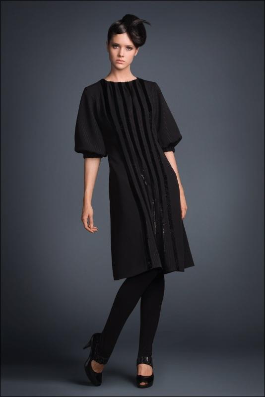 Темное платьице из коллекции Gentle Dolls...