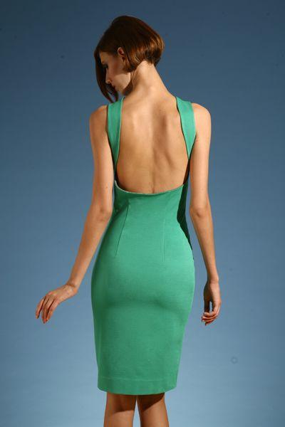 Узкие платья с открытой спиной