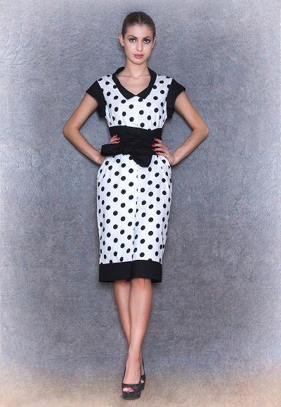 Платье футляр белое в черный горох