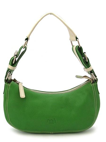 под зеленую сумку какая обувь.