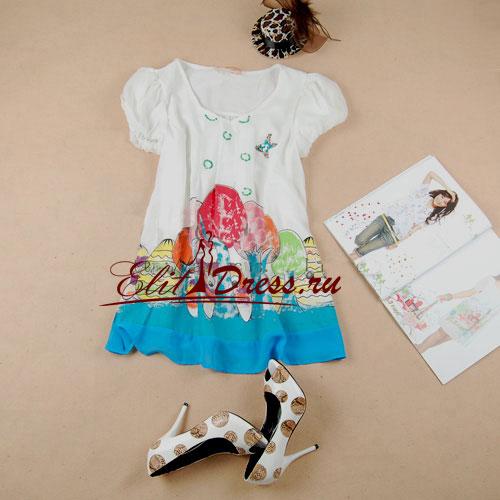 Летняя шелковая блуза-туника мила и очаровательна, легка и кокетлива.